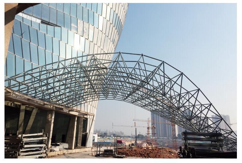 大王山五星级酒店网架钢结构工程