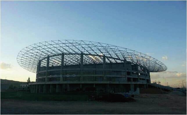 佳木斯大学综合馆网架钢结构工程