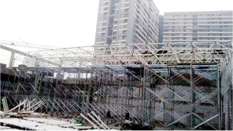 中建总部国际一期项目裙楼网架钢结构工程